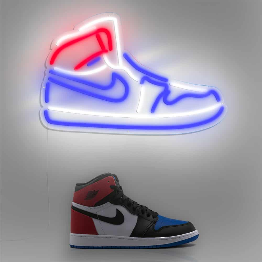 air_jordan_blue_red_environnement