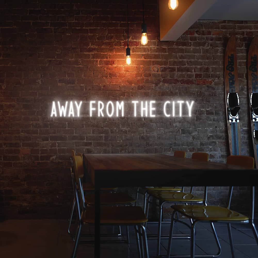 Neon-Away-From-the-city-environnement